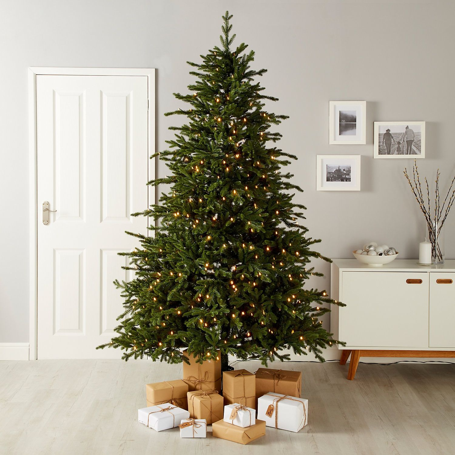 7ft 6in Thetford Pre Lit Artificial Christmas Tree Artificial Christmas Tree Realistic Artificial Christmas Trees Christmas Tree