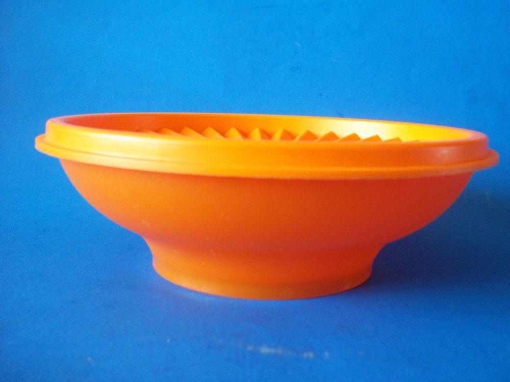 Tupperware Servalier Bowl  and Lid #890 Orange Excellent
