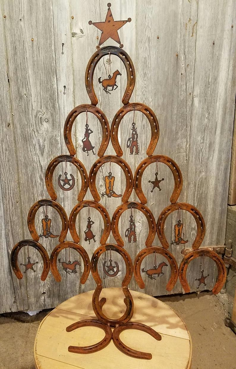 Rustic Horseshoe Christmas Tree WITH ornaments - Rustic ...