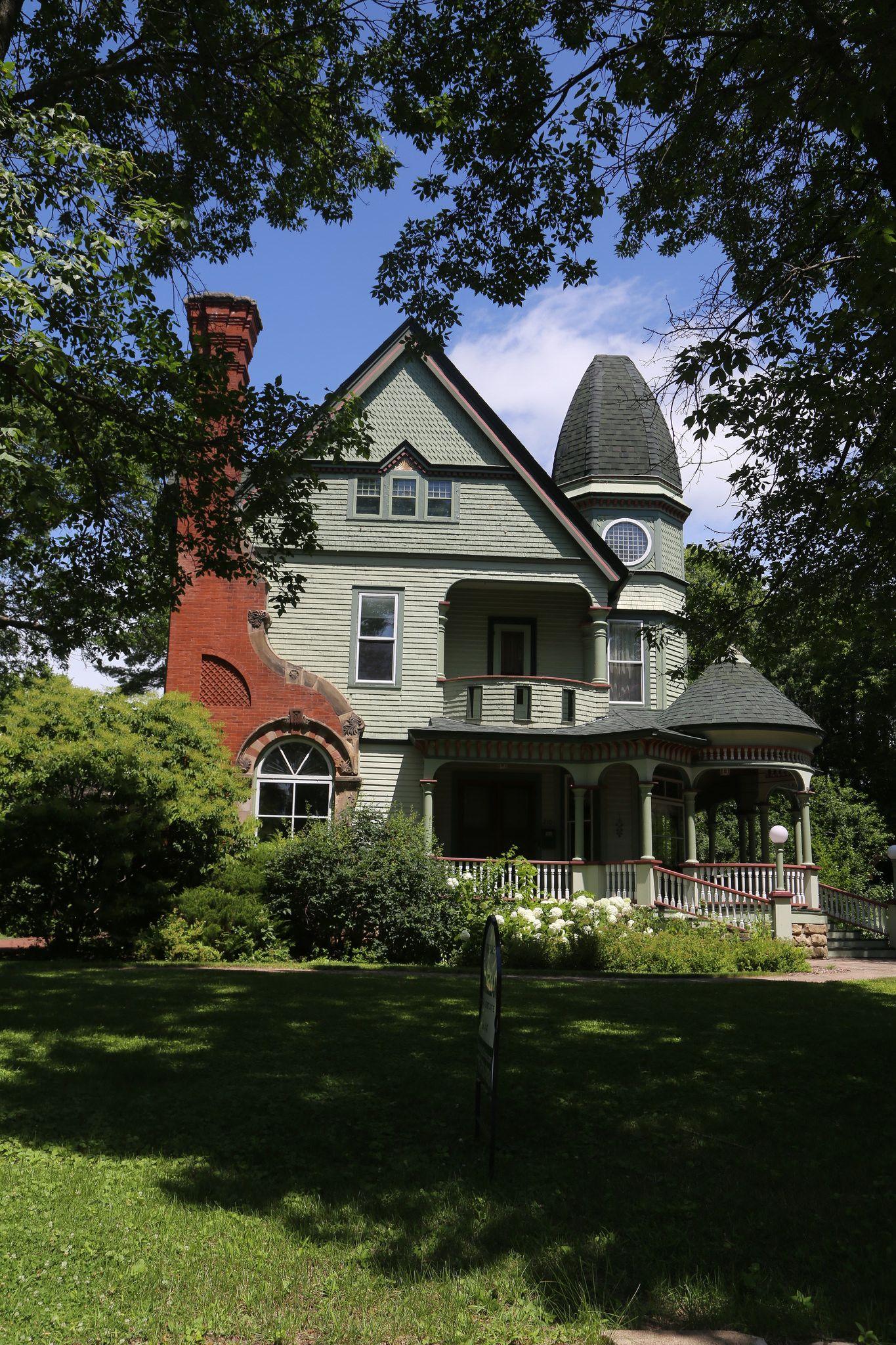 Eau Claire Wisconsin Eau Claire County Wi Eau Claire Wisconsin Old Victorian Homes Victorian Homes