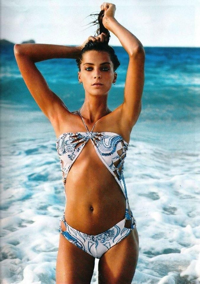 Are daria werbowy bikini have removed