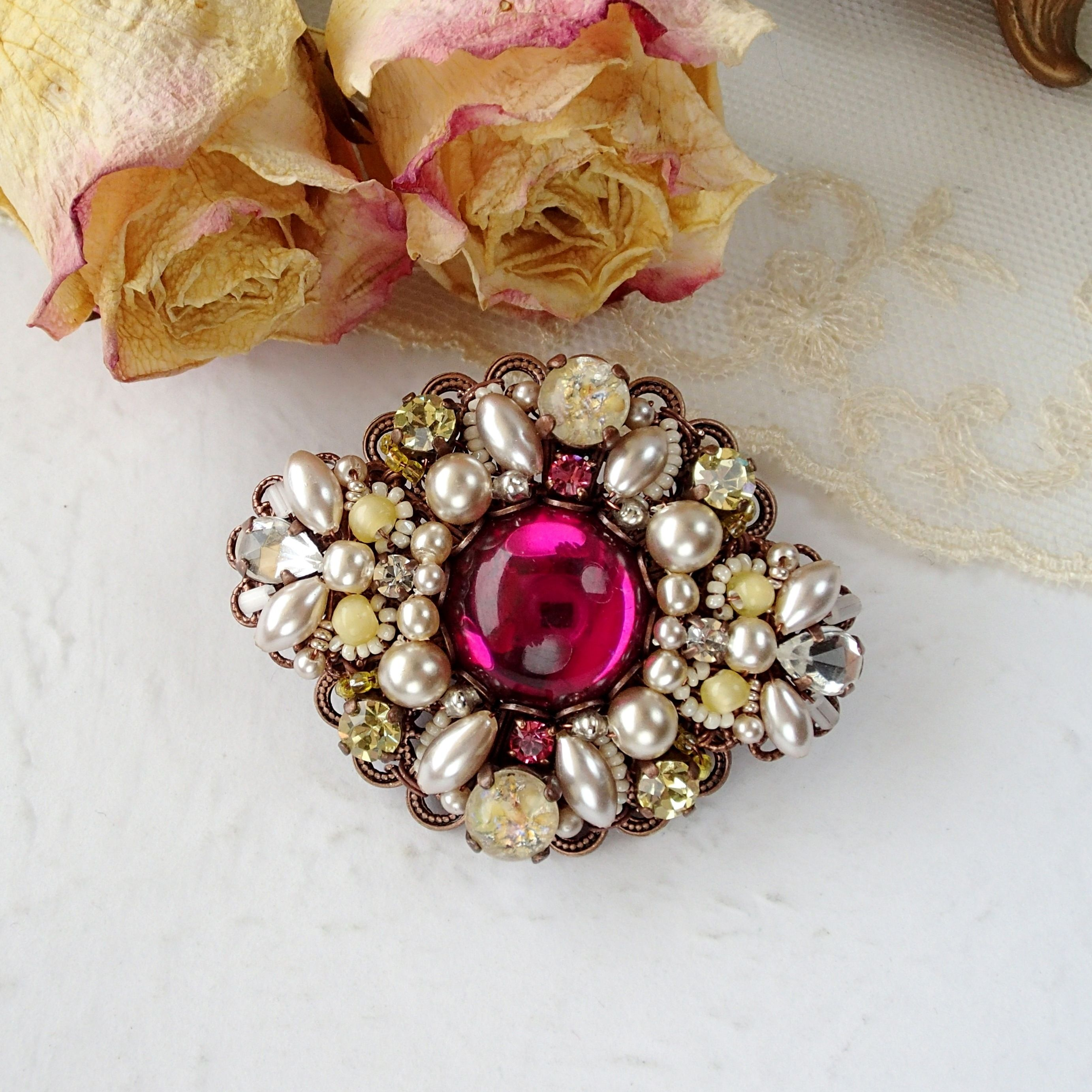 DARK PINK and YELLOW RHINESTONE BROOCH Price €45.00 Vintage style  rhinestone brooch combining dark pink with yellow. Dried flowers 3566e0022d66