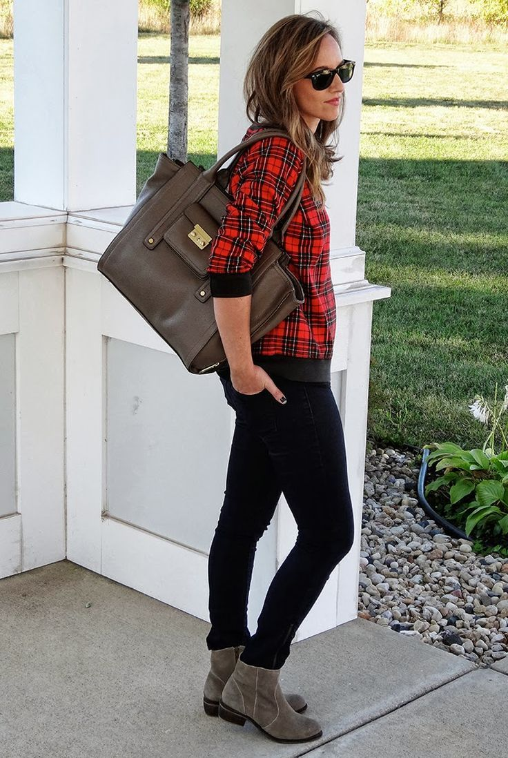 Red flannel shirt black jeans  Pin by Lori Incitti on Fall Prep Style  Pinterest  Plaid Winter