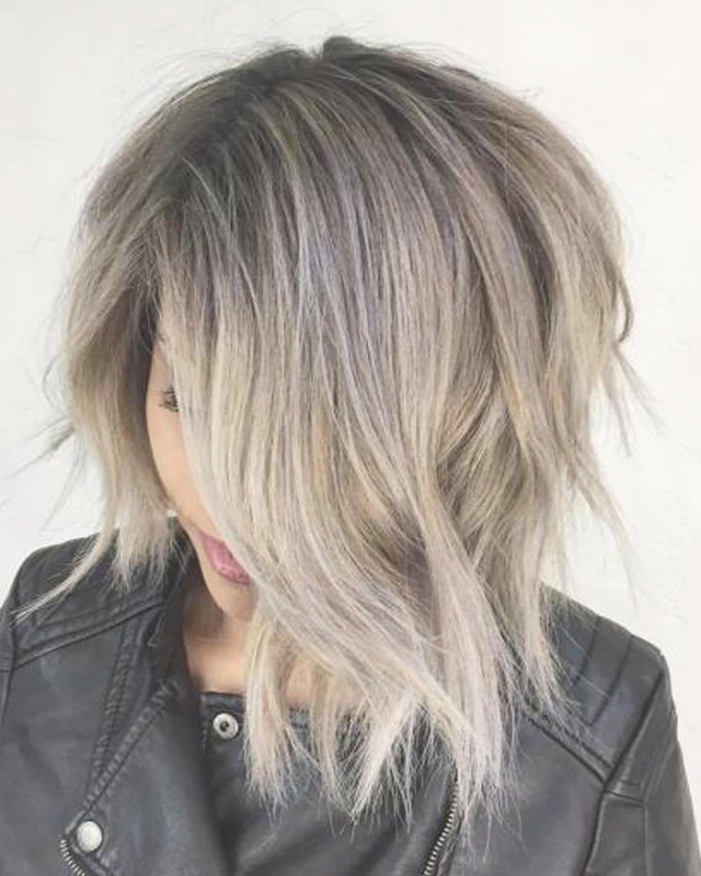 Kurze Haarschnitte für Frauen Bob Pixie Style Frisuren