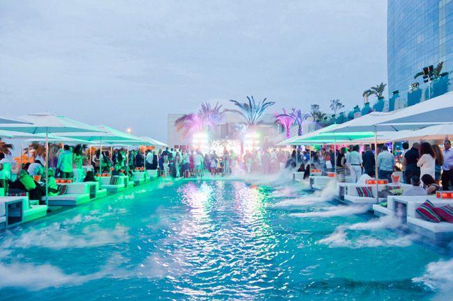 Piscine et terrasse de l 39 h tel w barcelone w barcelone - Barcelone hotel piscine interieure ...
