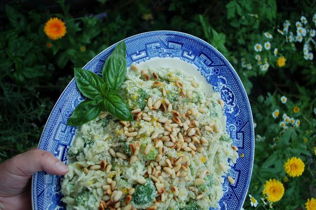 The Spice Garden: Orzo Salad and Roasted Chicken Breasts in Garlic and Lemon