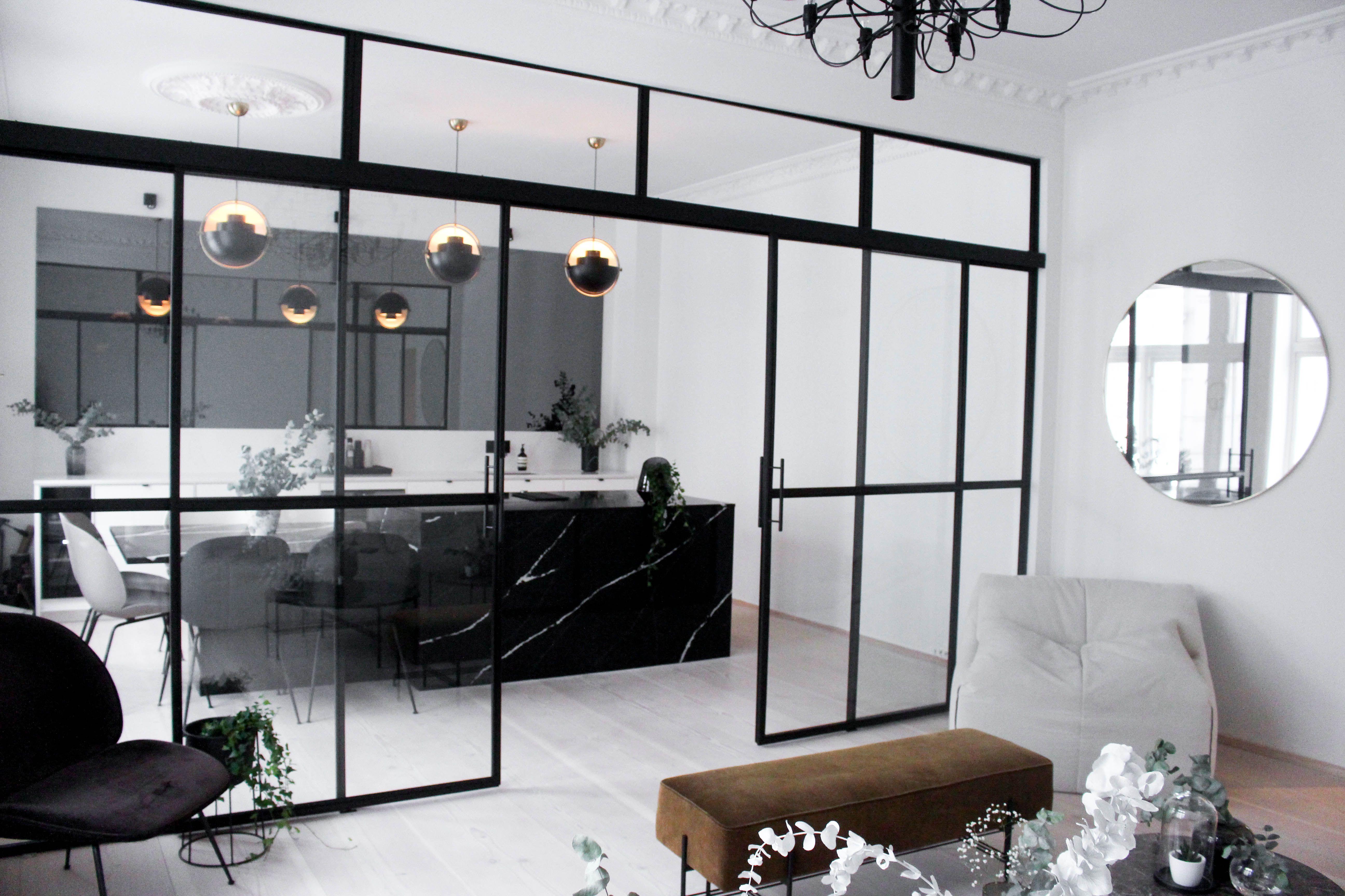 LENE ORVIK – In my black corner