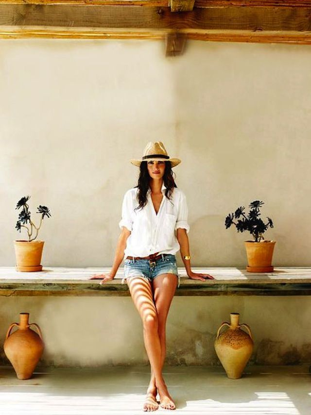 10 Ways To Wear a Summer Hat > The Effortless Chic