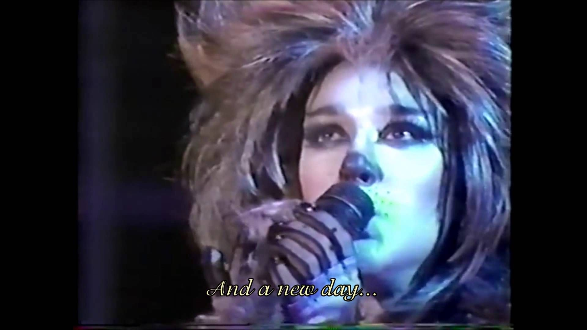Céline Dion Memory Live Performance (1987) with Lyrics