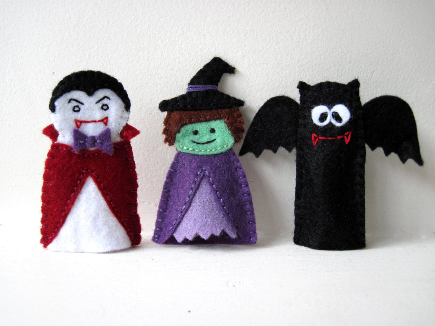 pattern: halloween felt finger puppet sewing tutorial - witch, bat
