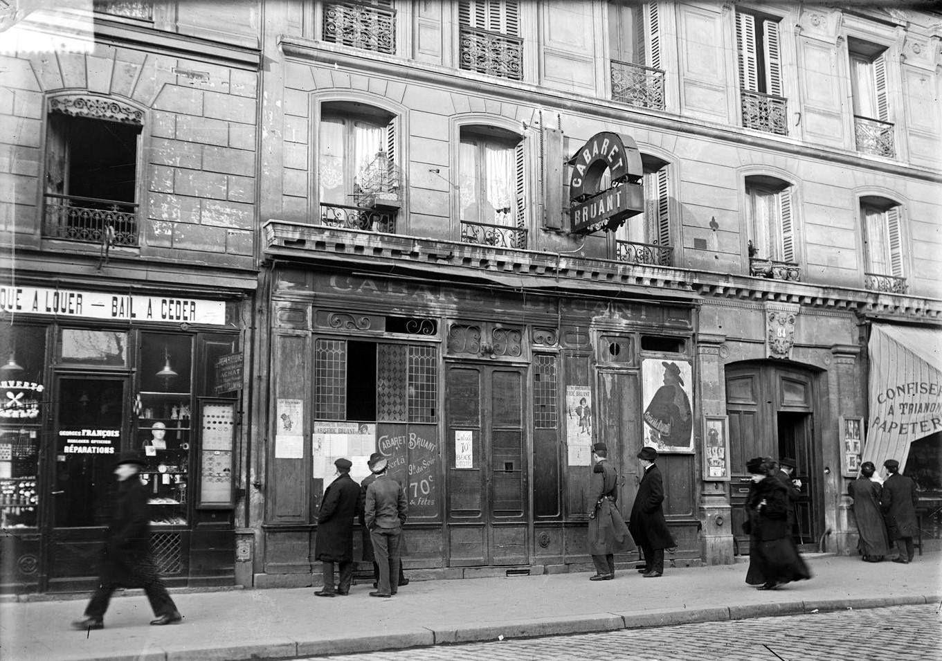 Cabaret bruant 84 boulevard de rochechouart 1909 le 84 boulevard de rochechouart a une longue - Bureau de poste paris 12 ...