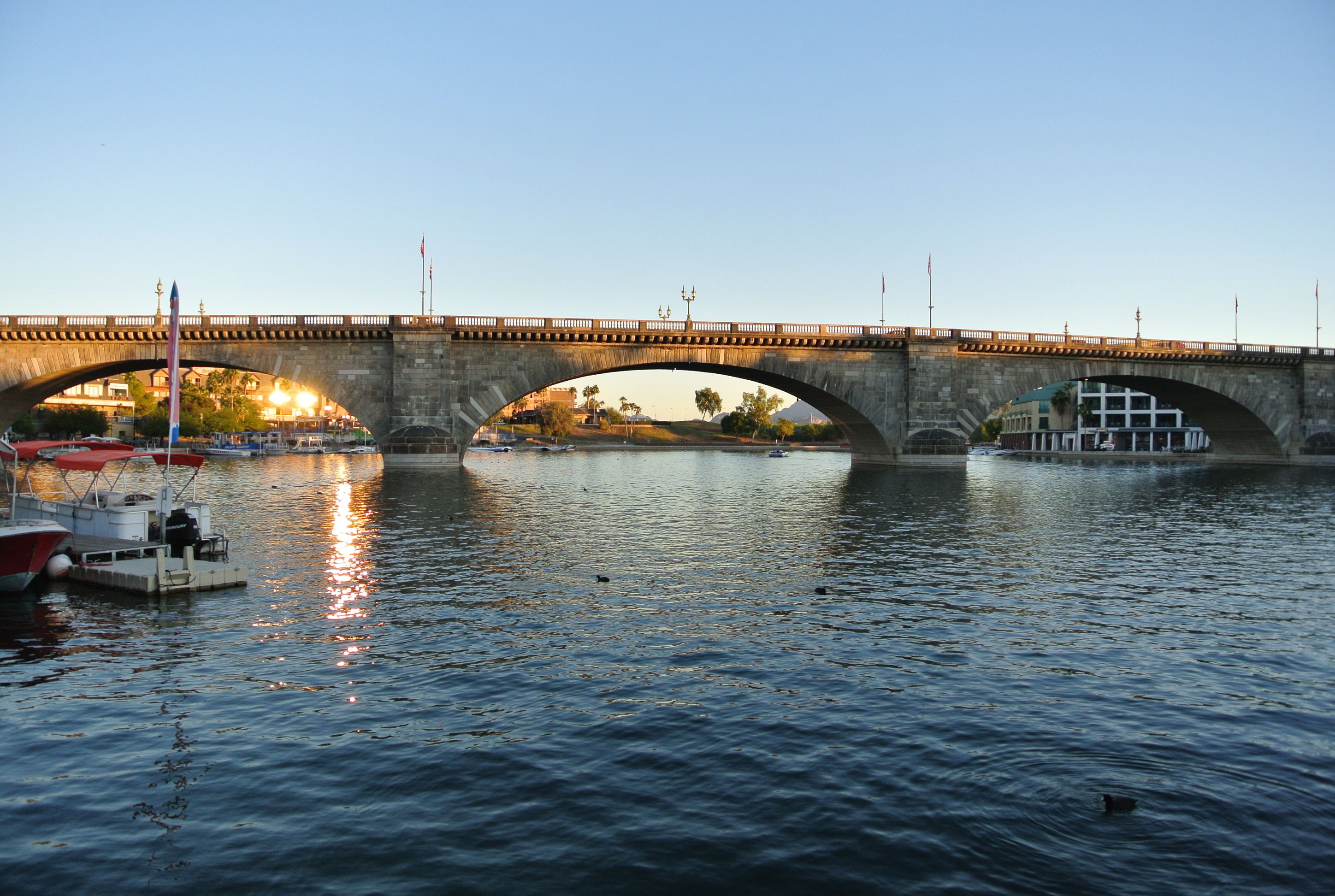 Visit To London Bridge Now In California Bought And Transported To The Us And Re Built Brick By Brick The Bridge Still Has London Bridge London California