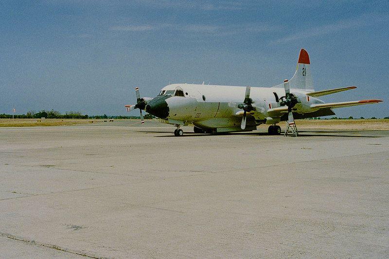 Lockheed Electra Air Tanker N921AU #21 Aero Union Chico California May 1992