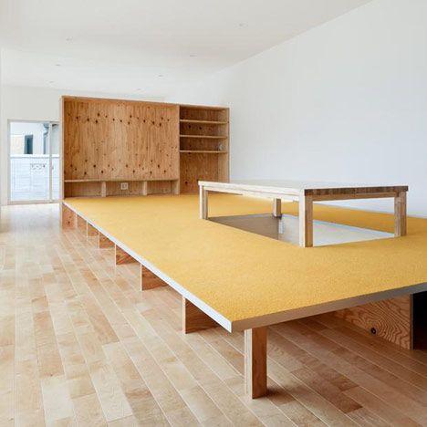 podest tisch augenpralinen kreativ und individuell wohnen und einrichten backstage. Black Bedroom Furniture Sets. Home Design Ideas