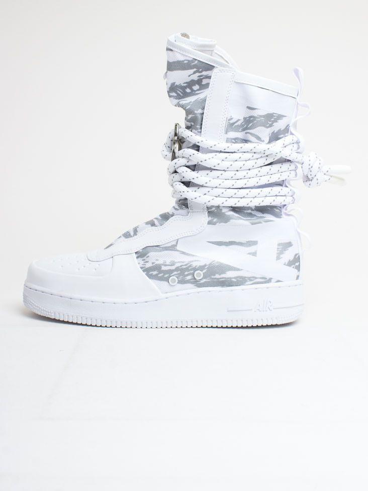 timeless design f6d12 070d9 Men s Nike SF Air Force 1 Hi Winter Boot