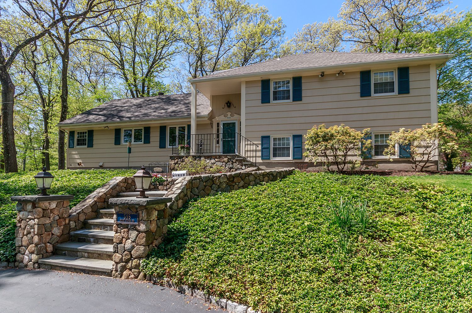 Sold 595 Rock Ridge Road Fairfield Ct Fairfield County Real Estate Guide Real Estate Guide Large Backyard Backyard