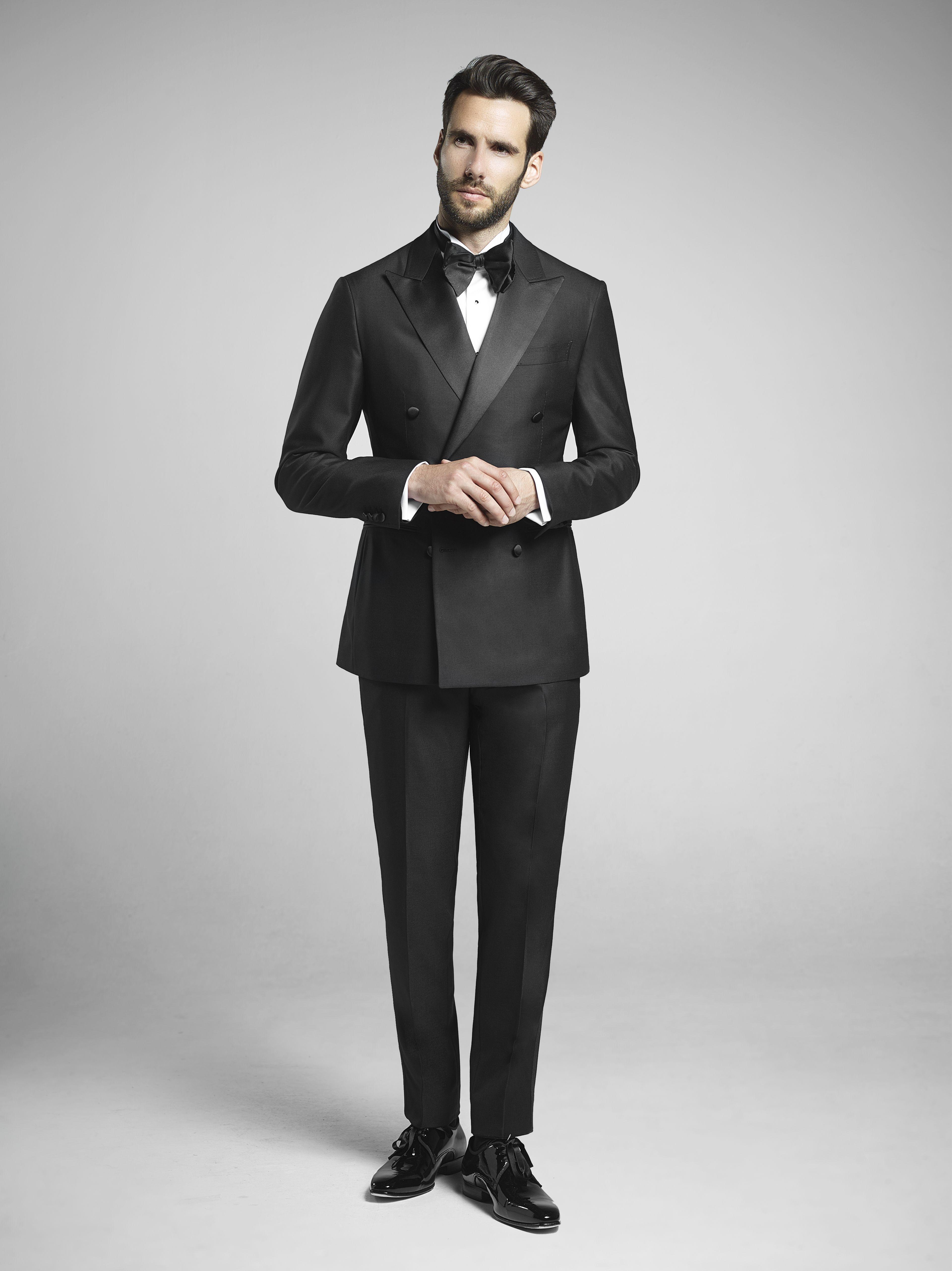 01188e9597d Black Double-Breasted Dinner Suit | Tuxedo, Dinner Suit , Dinner ...