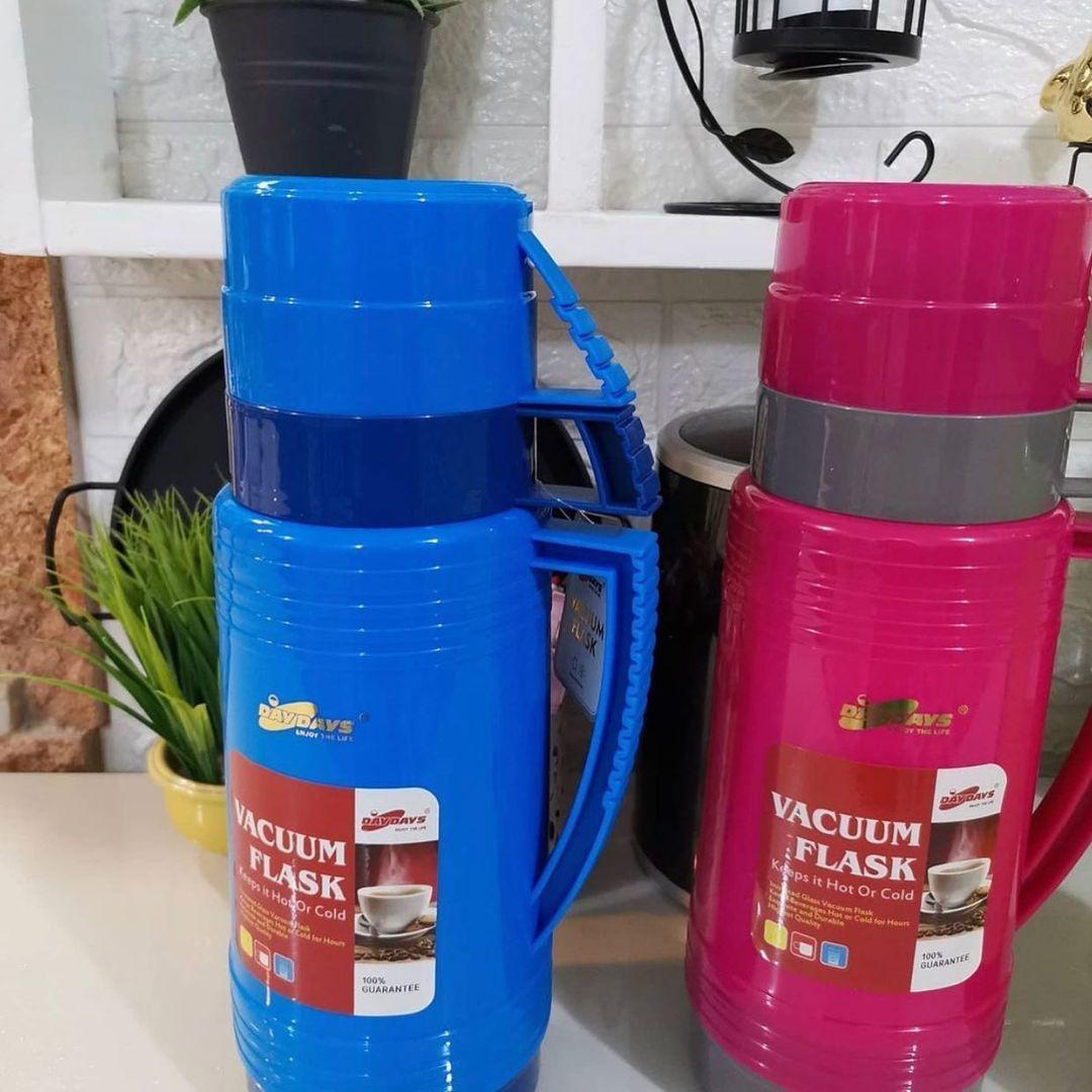 بيت العائلة On Instagram ترمز شاي دبل كوب بهاي الألوان الجميلة السعة لتر السعر ٨ آلاف دينار يتوفر توصيل لكافة المحافظات بيت الع In 2021 Vacuum Flask Vacuum Flask