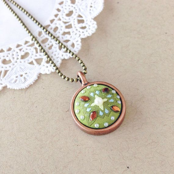 Vintage Button Pendant Necklace. Green and by theglitterrevival, $18.00