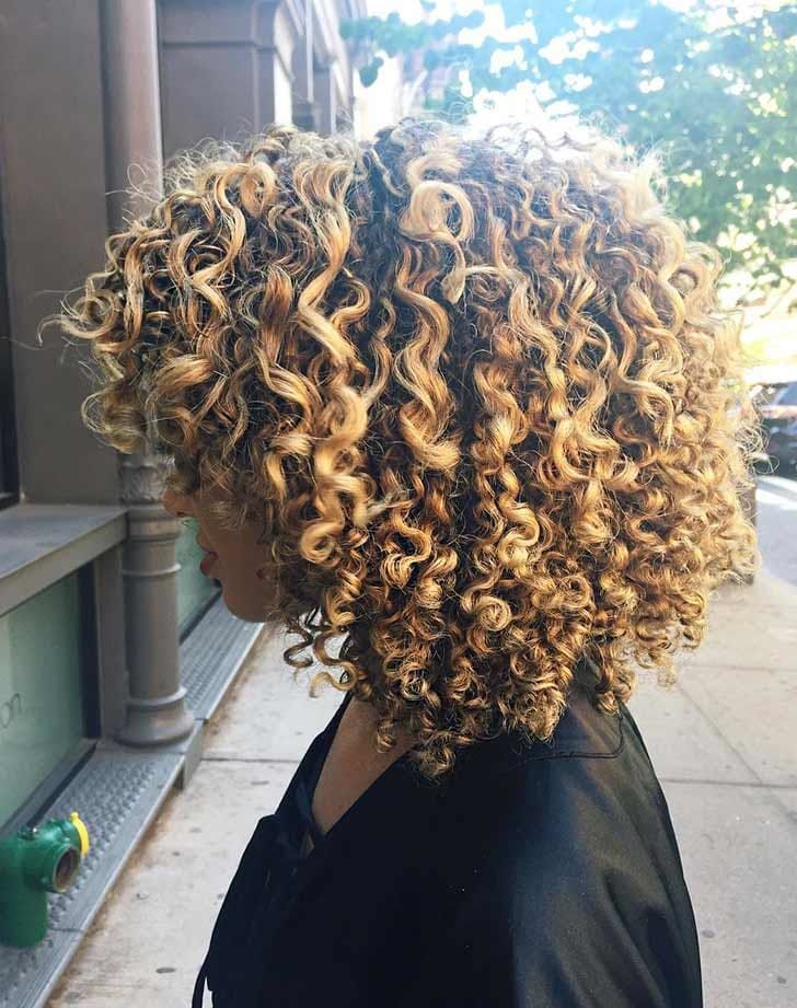 Curly Blond Stick Straight Or Long The Best Nyc Salons For Every Kind Of Hair Ombre Curly Hair Best Hair Salon Brown Ombre Hair Color
