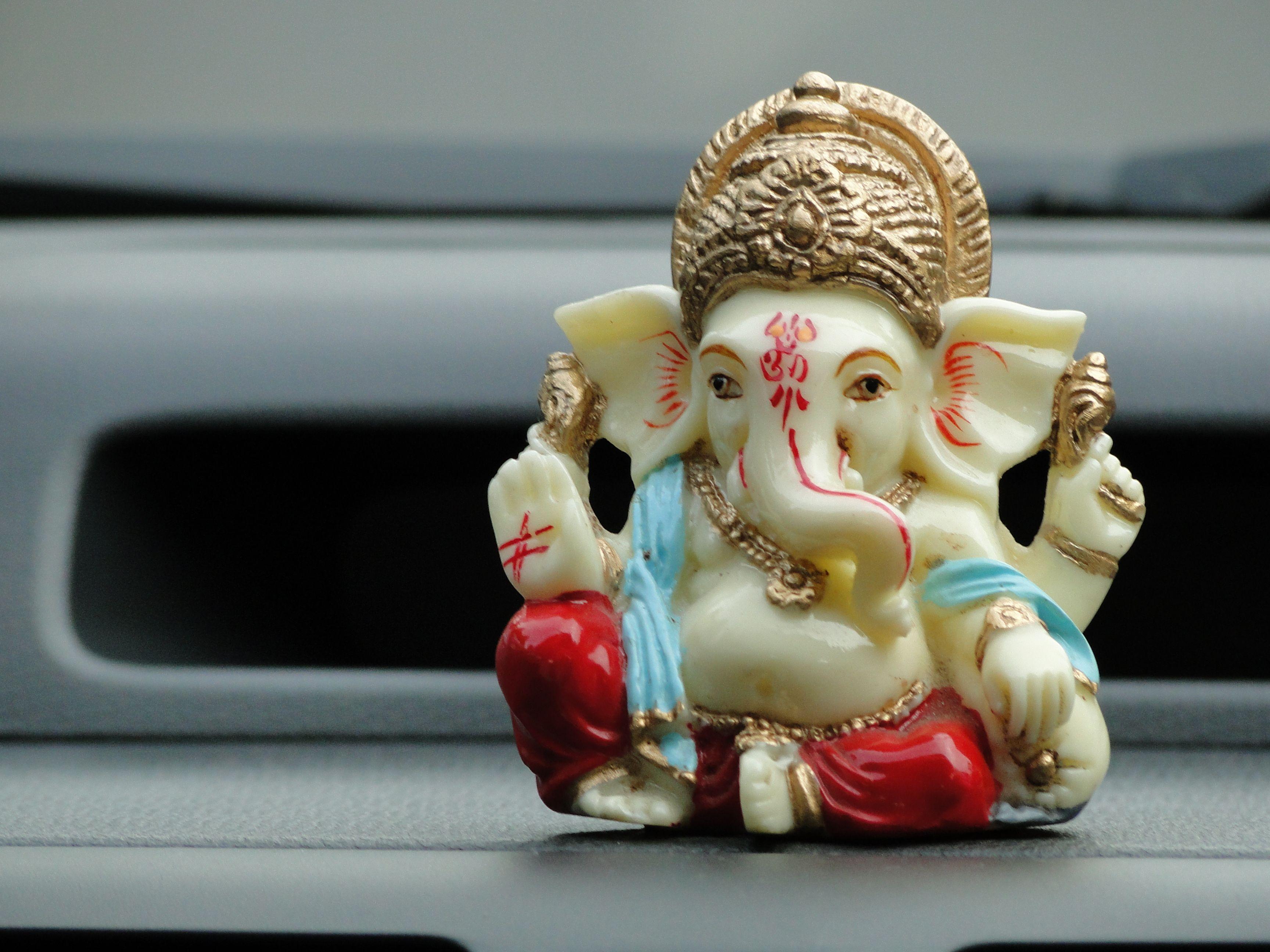 Unser Maskottchen, Ganesha - der Gott, der alle Schwierigkeiten aus dem Weg räumt