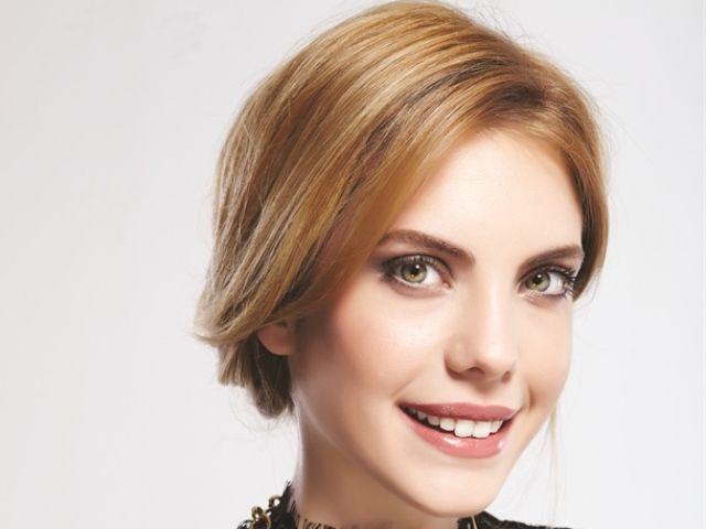 En Guzel Turk Kadin Oyuncu Resimli Anket Beautiful Face Turkish Beauty Beauty