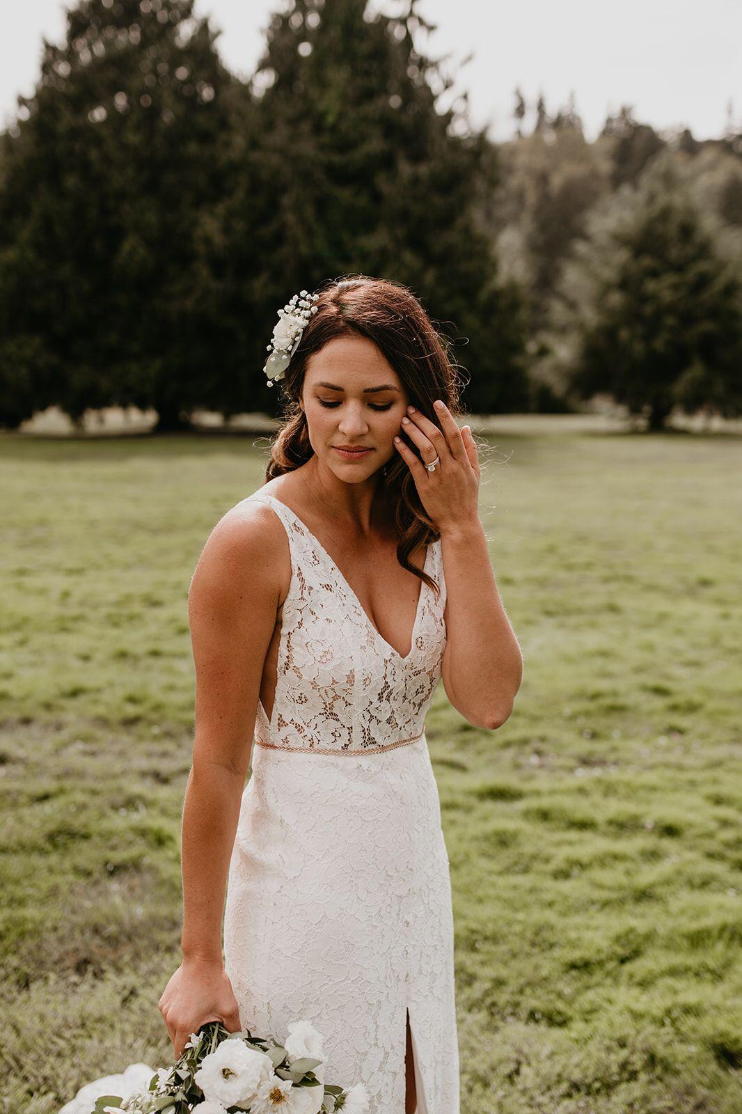 soft glam bridal hair and makeup glamour curls   l l bridal