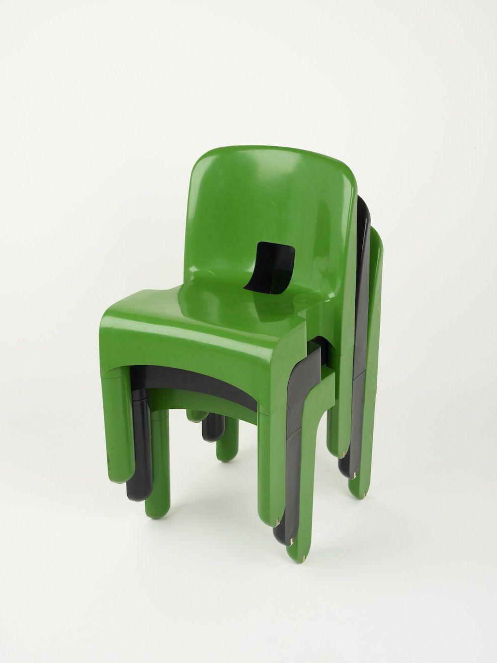 Universal stacking chair by joe colombo 1968 joe for Stuhl design geschichte