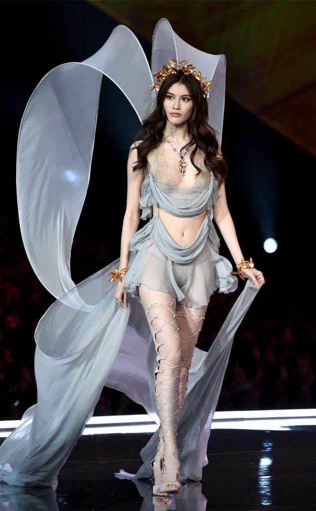 Sui He 2017 Victoria S Secret Fashion Show Victoria Secret Fashion Show Victoria Secret Runway Victoria Secret Fashion