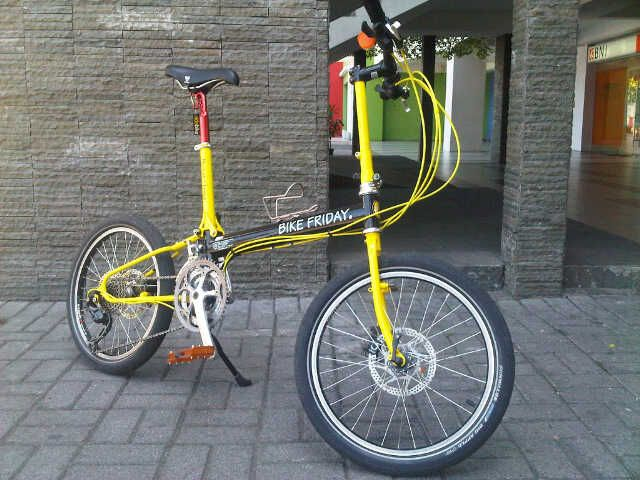 Bike Friday Pocket Llama Black Yellow Sepeda