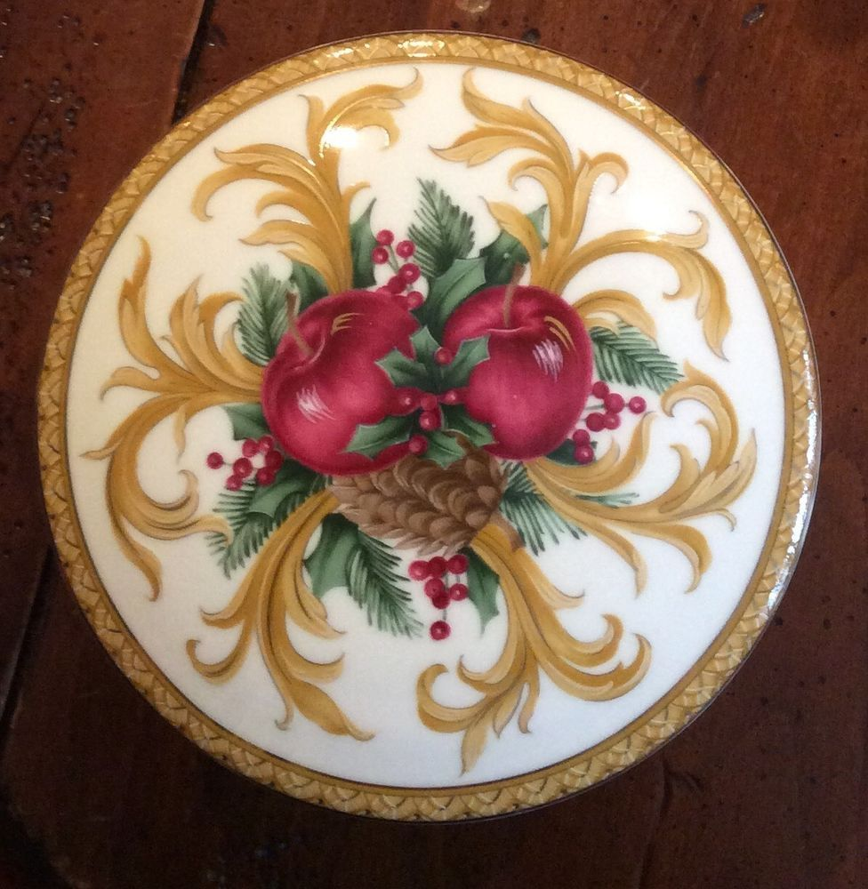 Christmas Covered Candy / Trinket Bowl - Mikasa Holiday Orchard Japan EUC #MIKASA