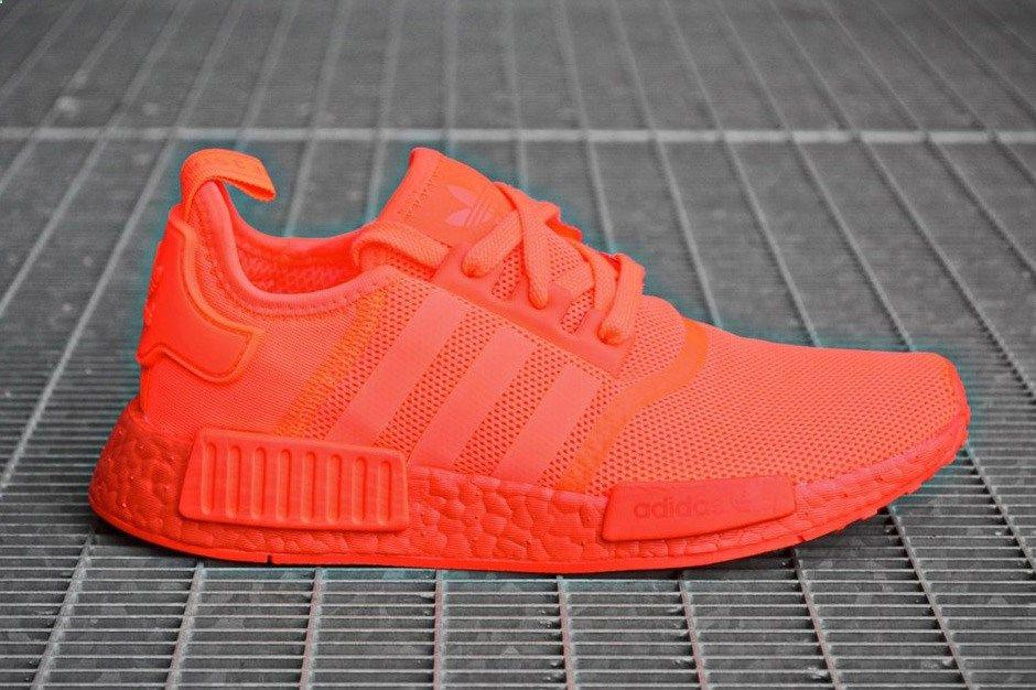 adidas nmd r1 prende il via tonale, questa volta in solar rosse adidas