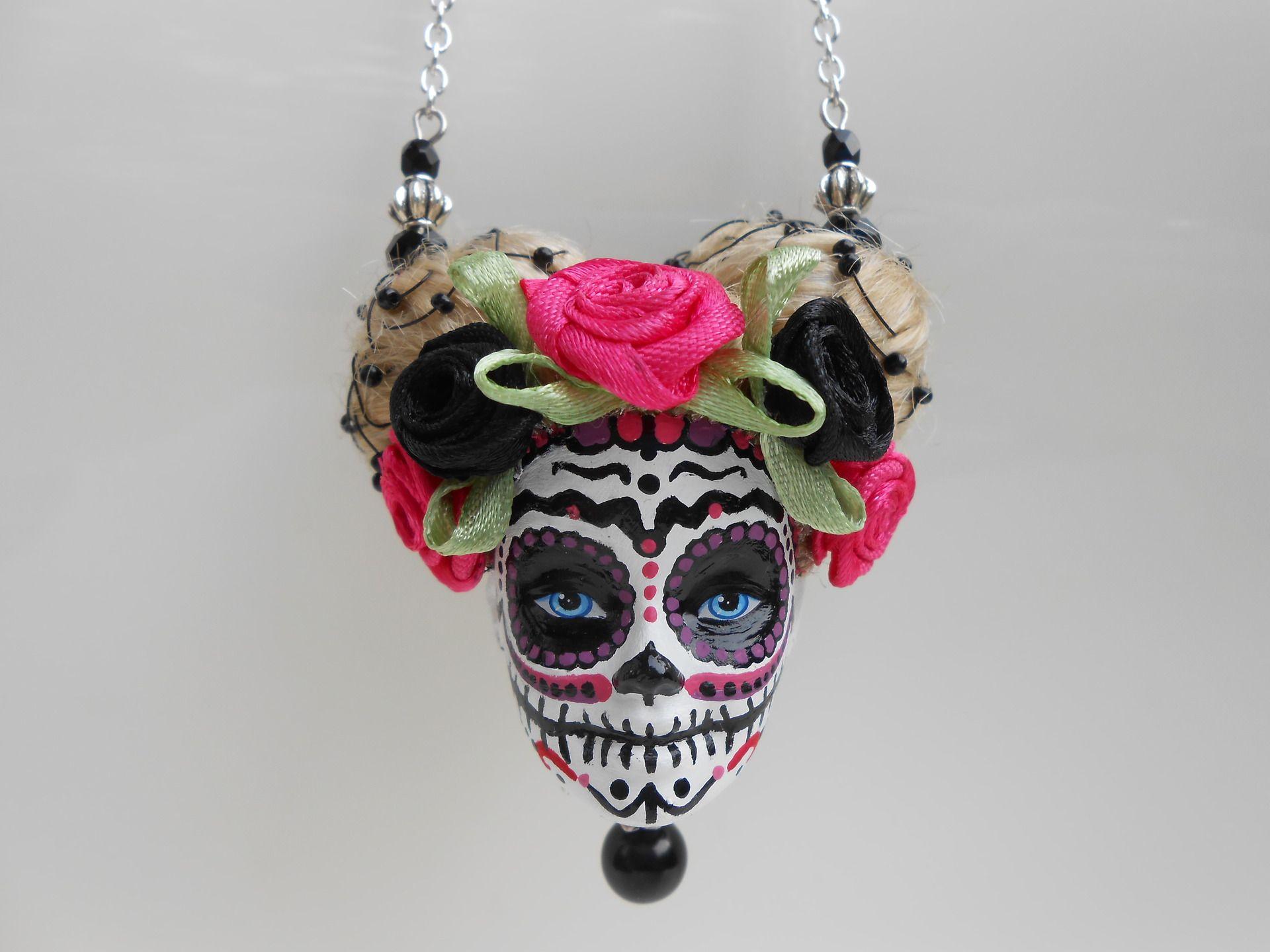 """Sautoir tête de Barbie crâne mexicain """"La Rozetta"""" : Collier par jennifleur"""