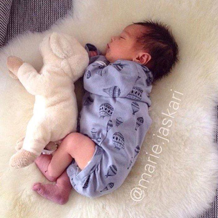 ❤️So cute 📸 @marie.jaskari ❌DELTA I VÅR GIVEAWAY @kvirrevitt.no 🌈 ◌ ◌ ◌ ◌ ◌ #momblogger #momblog #baby #infant #beautiful #babiesofinstagram #beautifulbaby #instagram_kids #igbaby #cutebaby #babystyle #babyfashion #igbabies #kidsfashion #cutekidsclub #ig_kids #babies #child#babymodel #children #instakids #fashionkids #repost#love#babyboy #kidsfashionforall#cuteangels