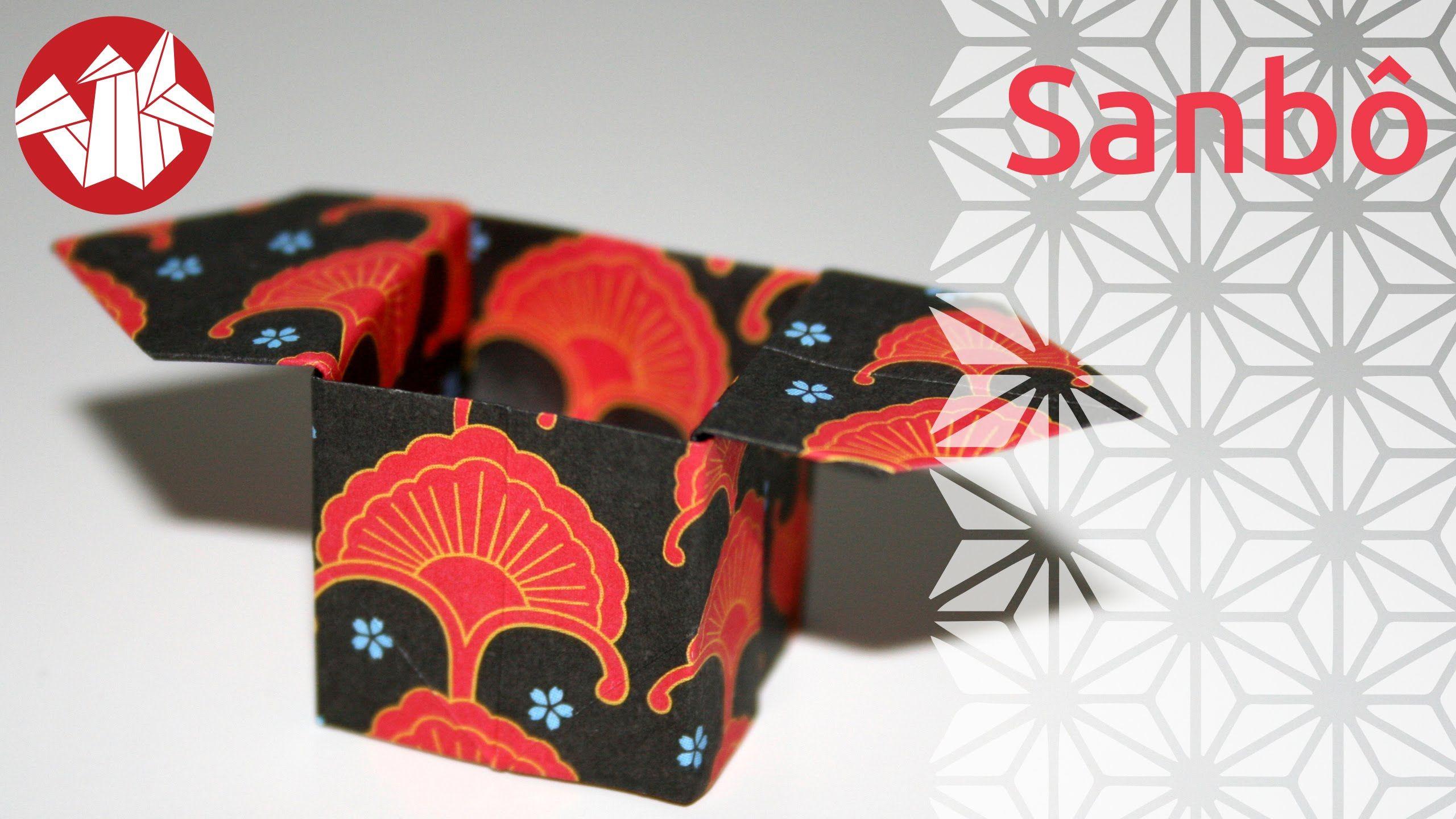 Le sanbô est un plateau qui permet de présenter les offrandes durant les cérémonies religieuses, au Japon. Son nom signifie trois directions. C'est un origami que j'aime beaucoup ! Vous pouvez le plier pour présenter des bonbons ou des biscuits par exemple. Utilisez de préférence un papier relativement rigide si vous souhaiter vous en servir comme contenant.  Pour encore plus de vidéos, photos et tutoriels, venez nous visiter sur http://www.senbazuru.fr