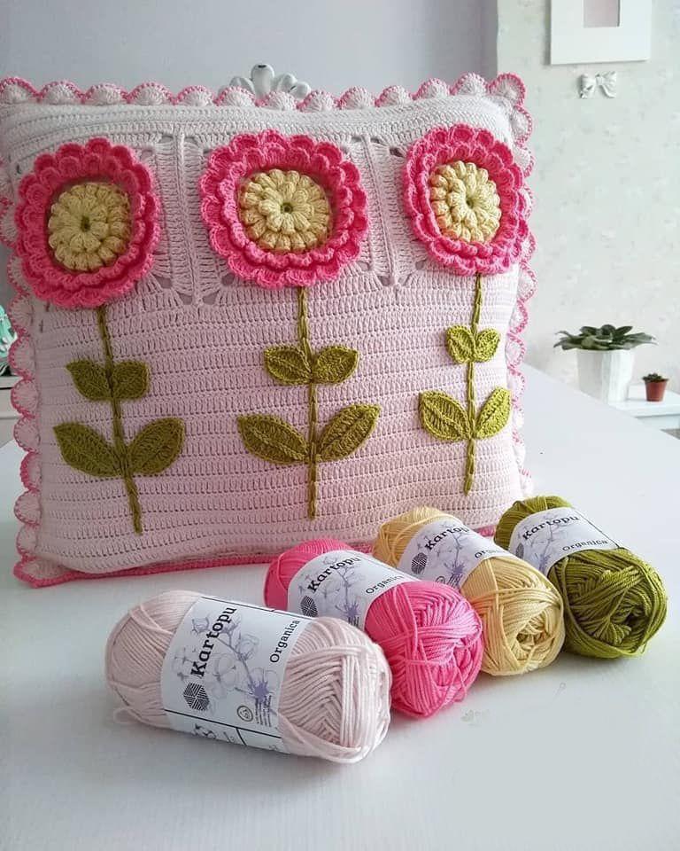 Aprende Hacer Cojines Tejidos Con Su Patron Paso A Paso Muy Faciles Curso Gratis De Crochet Crochet Pillow Cover Crochet Pillow Cases Crochet Cushion Cover