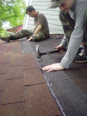Diy Repair Of An Asphalt Shingle Roof Asphalt Roof Shingles Roof Maintenance Diy Repair