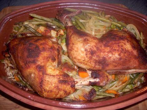 Arabische Hähnchenschenkel mit Reis und Gemüse aus dem Tontopf - internationale küche rezepte
