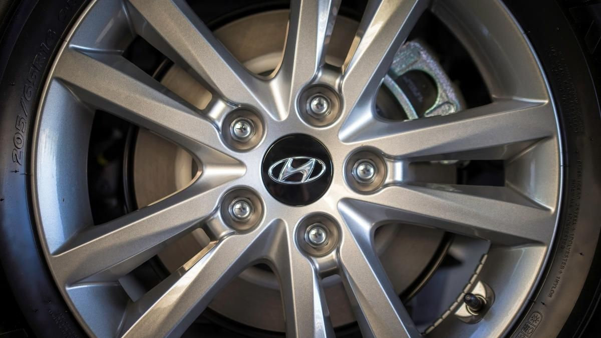 2015 hyundai sonata pricing options and specifications cleanmpg - 2015 Sonata Sport 2 0t D Cut Steering Wheel Hyundai Sonata Pinterest Hyundai Sonata Wheels And Dream Cars