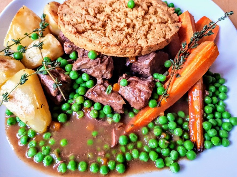 Slow cooked stewing steak pie | Stewing steak, Food, Steak pie