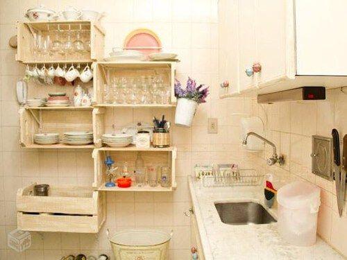 Estanteria De Cocina Hecha Con Reciclaje De Cajas De Madera En