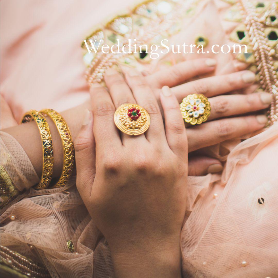73364e3b098a4 Azva contemporary gold jewellery on WeddingSutra bride ...