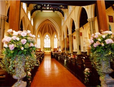 Church wedding decorations photos romantic decoration church church wedding decorations photos romantic decoration church decor ideas pinterest churches church wedding and church wedding decorations junglespirit Image collections