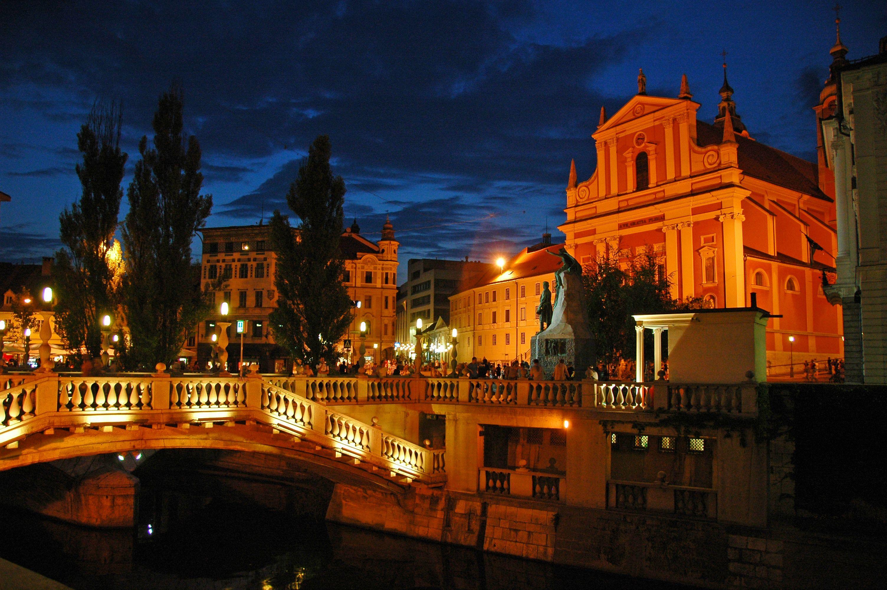 Auch das ist #Ljubljana: Freut euch auf eine Outdoor-Silvester-Party mitten in…