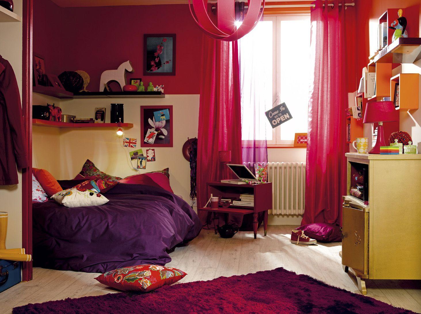 une chambre d 39 ado avec des teintes qui donnent vie la pi ce du rose du violet du jaune. Black Bedroom Furniture Sets. Home Design Ideas