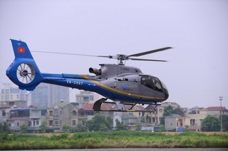 Viet Nam helicopter tourism begins           Ha Noi locals and visitors can now enjoy helicopter trips to some famous destinations offered by the State-owned Northern Viet Nam Helicopter Company. — Illustrative Image baogiaothong.vn    HA NOI (VNS) — Ha Noi locals and visitors can now enjoy helicopter trips to some famous des...  Vietnam Tour Expert Help: www.24htour.com Halong Bay Cruises Tour  Expert Help: www.halongcruises.com.au  #vietnamtravelnews #vntravelnews