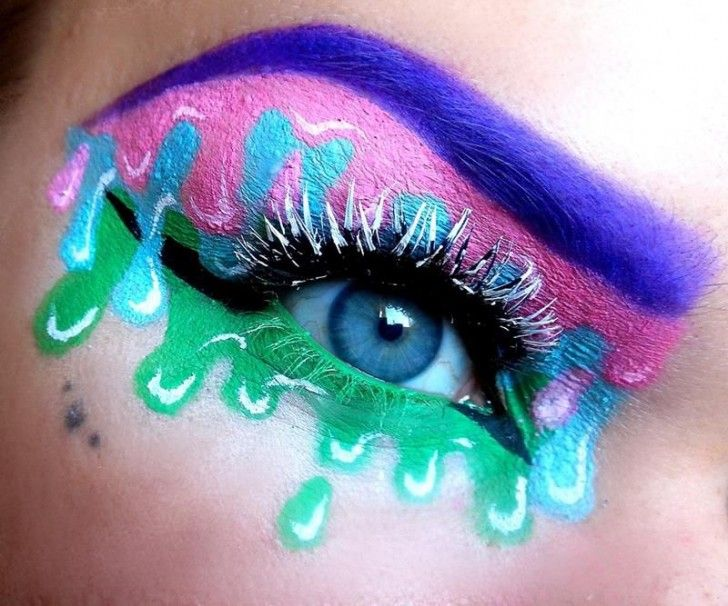 Makeup Ideas Crazy Eye Make Up With Blue Eyebrows