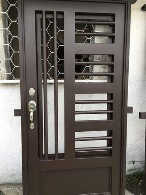Puerta puee metal pinterest fer forg portes et for Puertas de tambor modernas