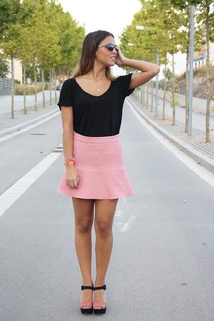 dfd367a1d6 OUTFIT DEL DÍA  Outfit con falda rosa Inspiración. 20 ideas de como combinar  ...