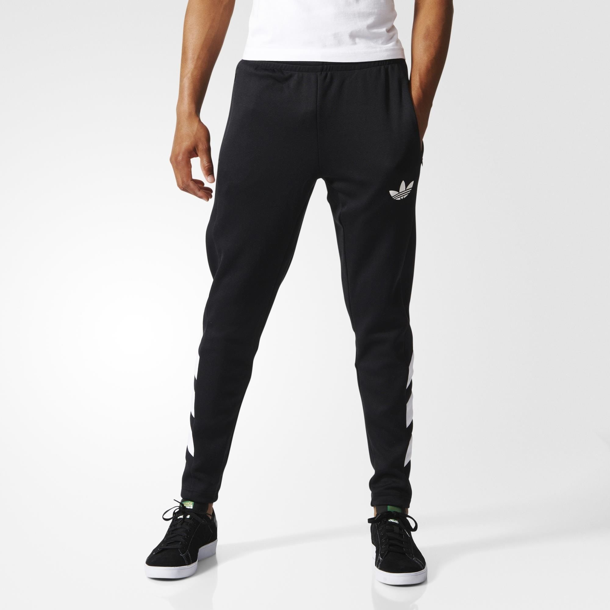 Inspired by soccer style, these men's track pants have a dynamic look. Made  in